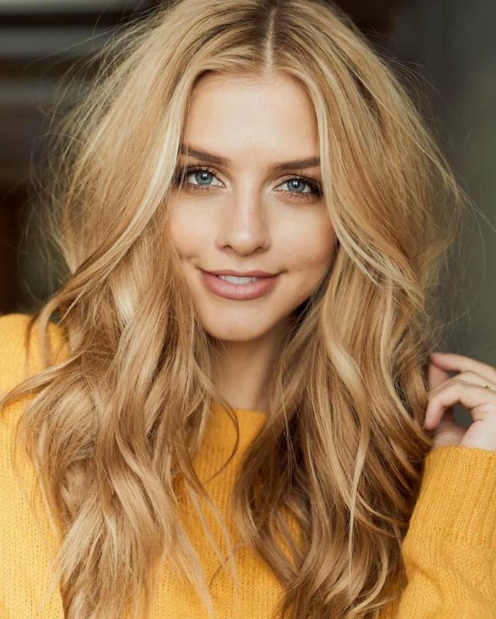 Haarfarben Trend 2021 warme farben gold blond