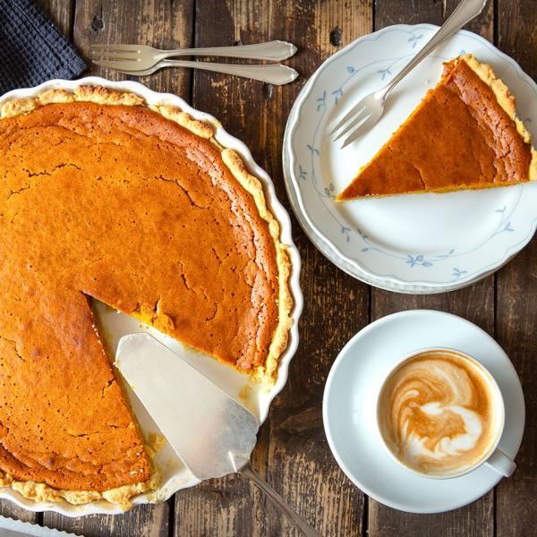 Kürbiskuchen leckeres Dessert oder etwas Süßes zum Kaffee im Herbst