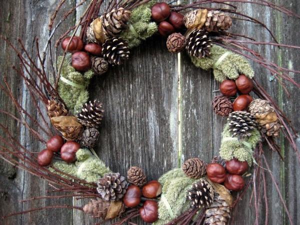 Kastanienkranz basteln zum Herbst – kreative Ideen und kinderleichte Anleitung naturmaterialien zapfen laub