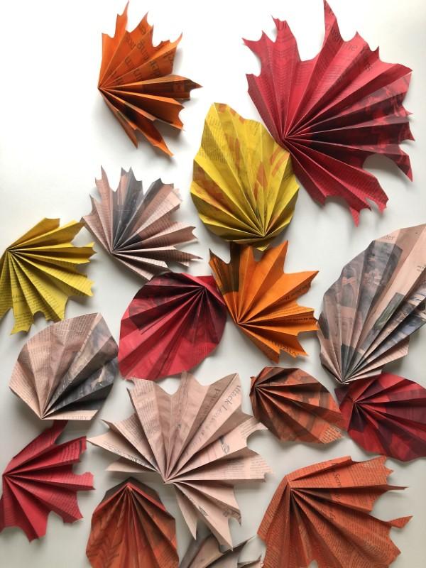Origami Herbst Deko selber machen – Ideen und Anleitung nach japanischer Art einfache blätter falten bunt