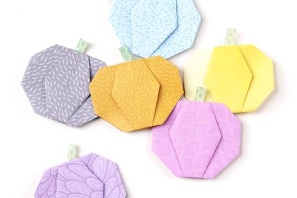 Origami Herbst Deko selber machen – Ideen und Anleitung nach japanischer Art pastellfarben kürbisse