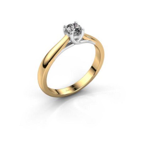Schöner Diamant an einem Verlobugnsring