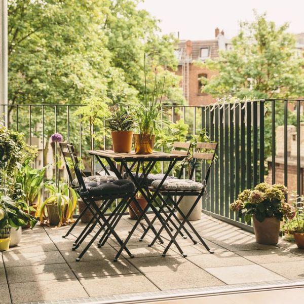 Trendige Möbeleinrichtung Moderne Gartengestaltung