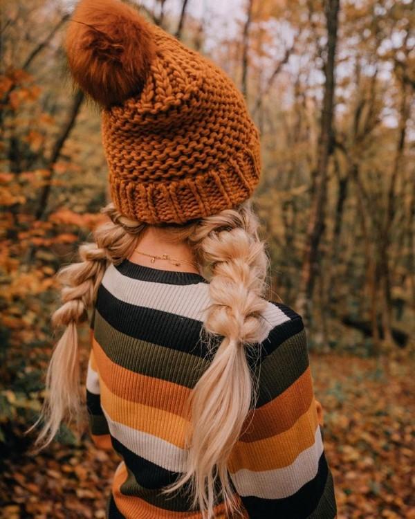 Welche sind die aktuellen Herbstfrisuren – Trends und Tipps für Ihren Herbstlook zöpfe mütze woll