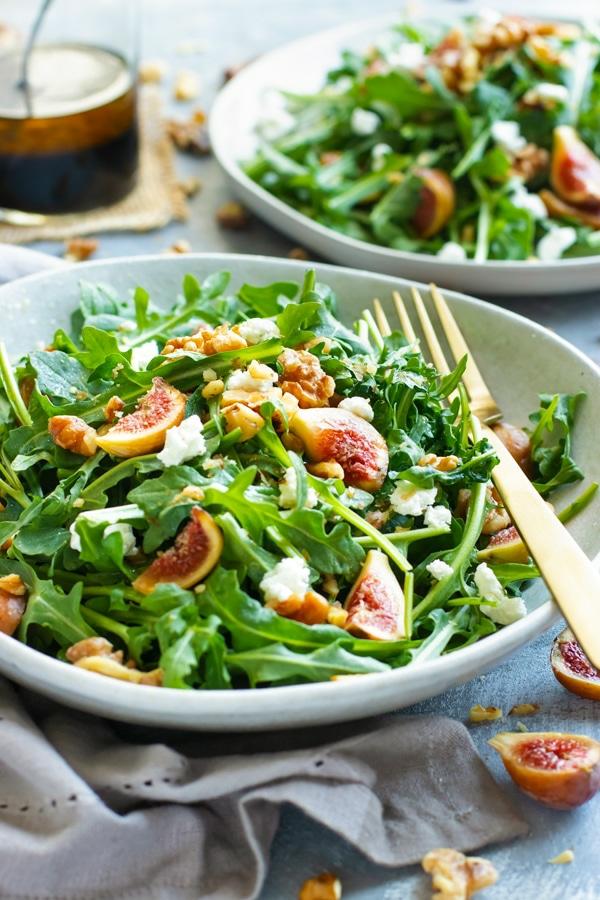 feigen gesund gesund essen leckerer salat rukola feigen