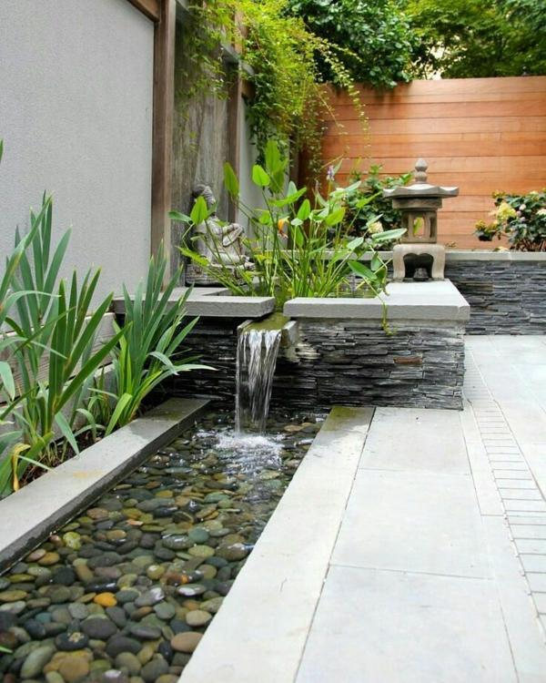 gartengestaltung beispiele wassergarten kleiner wasserfall