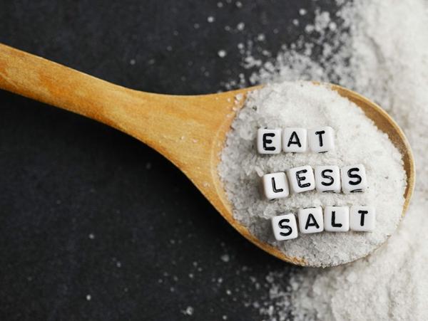 gesunde Ernährung Leber reinigen weniger Salz essen