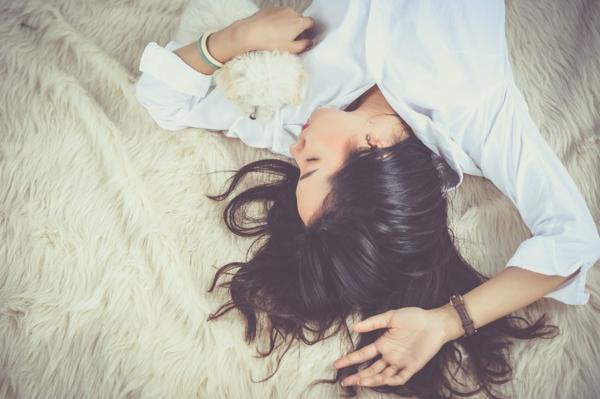 gesunder schlaf stressmanagement tipps