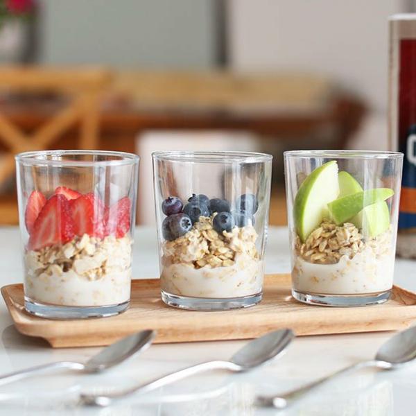 gesundes frühstück overnight oats mit joghurt
