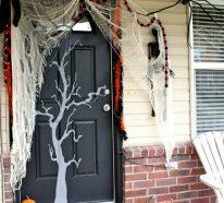 Halloween Türdeko für eine gruselige Stimmung am Eingang