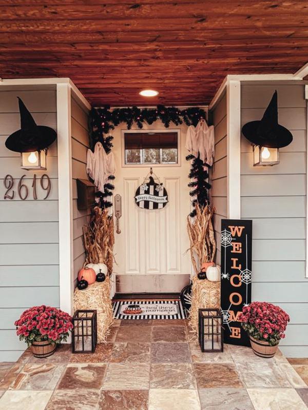 halloween türdeko eingang dekorieren festliche stimmung schaffen