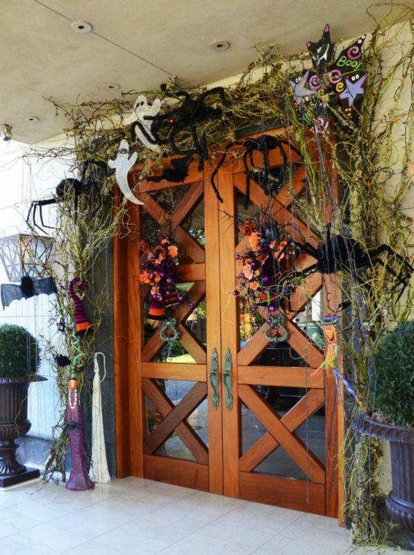 halloween türdeko frische dekoideen halloween reichliche halloween deko