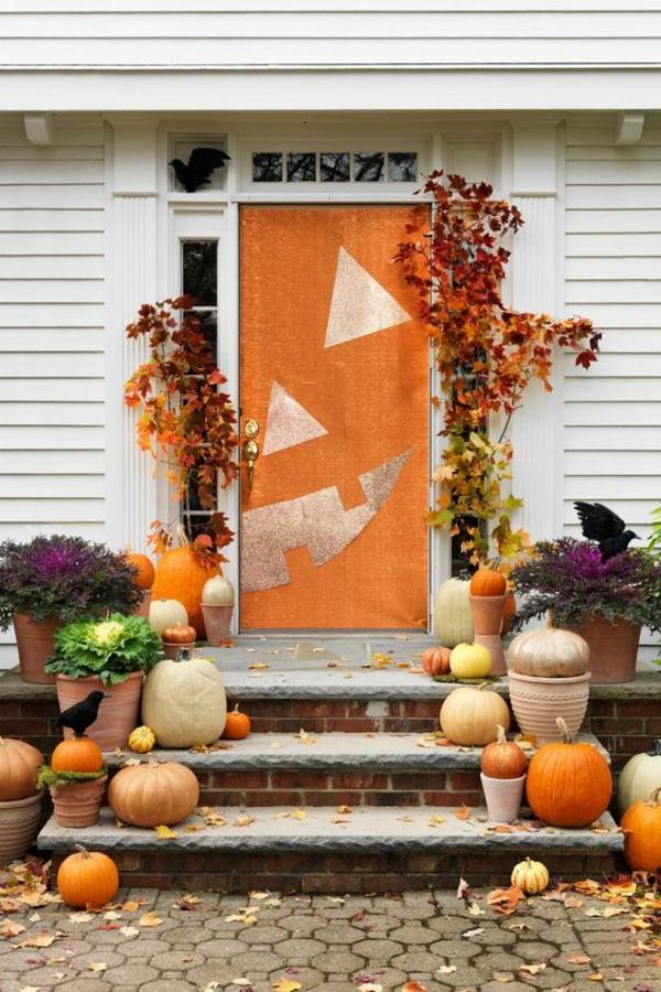 halloween türdeko ideen spray benutzen bemalen lustig dekorieren