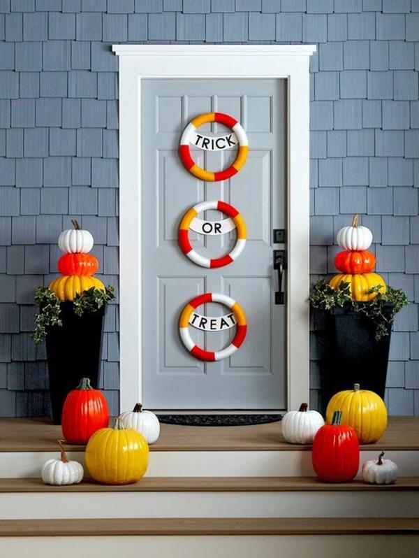 halloween türdeko lustige dekoideen dekokränze