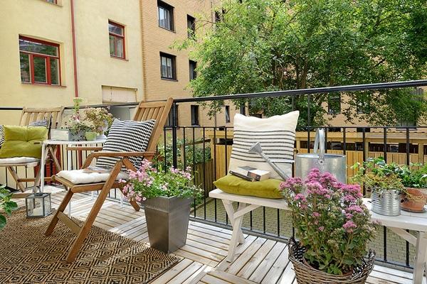herbstbepflanzung balkon frische herbstblumen kombinieren