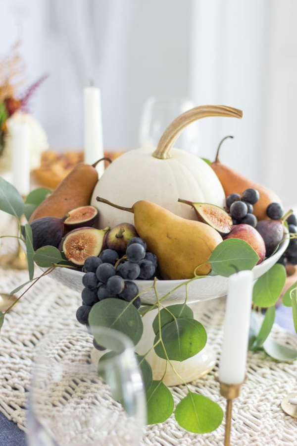 reife früchte kürbis herbst tischdeko