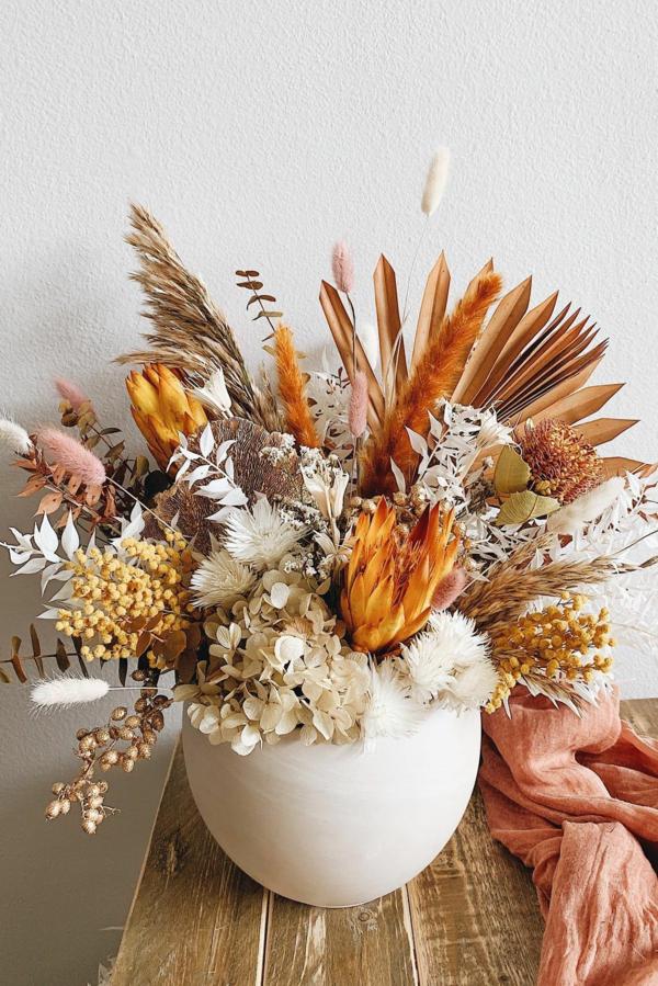 trockenblumen tischdeko im herbst