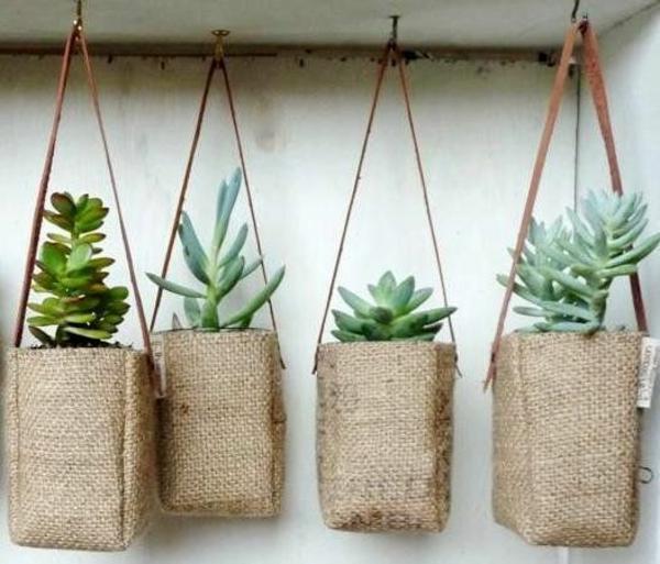 upcycling ideen garten kaffeesack pflanzen