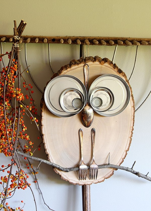Basteln mit Holzscheiben zum Halloween – kinderleichte DIY Ideen und Anleitung eule deko rustikal vintage