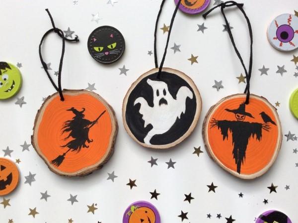 Basteln mit Holzscheiben zum Halloween – kinderleichte DIY Ideen und Anleitung gespenster hexe diy