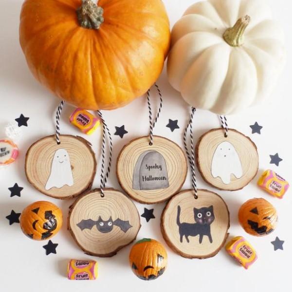 Basteln mit Holzscheiben zum Halloween – kinderleichte DIY Ideen und Anleitung mini baumscheiben deko