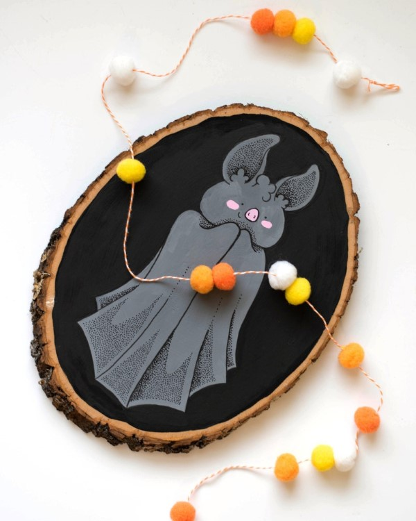 Basteln mit Holzscheiben zum Halloween – kinderleichte DIY Ideen und Anleitung niedlich fledermaus deko
