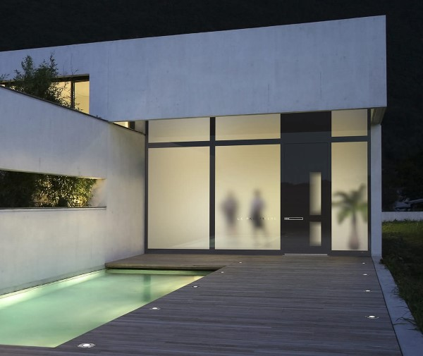 Designer Haustüren – wichtige Kaufkriterien und andere Tipps für Hausbesitzer eingang pool patio