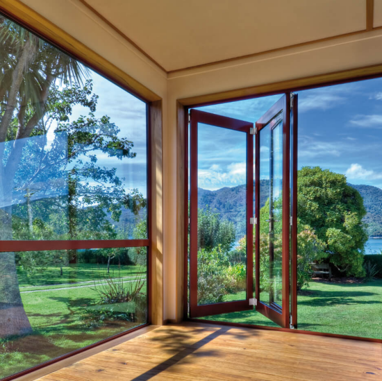 Faltfenster moderne Faltschiebetüren lassen die Natur ins Haus