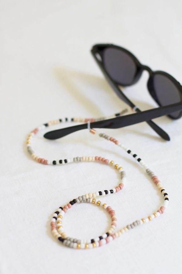 Geschenk für Opa basteln mit Kindern – liebevolle Ideen und 2 einfache DIY Anleitungen brillenkette perlen