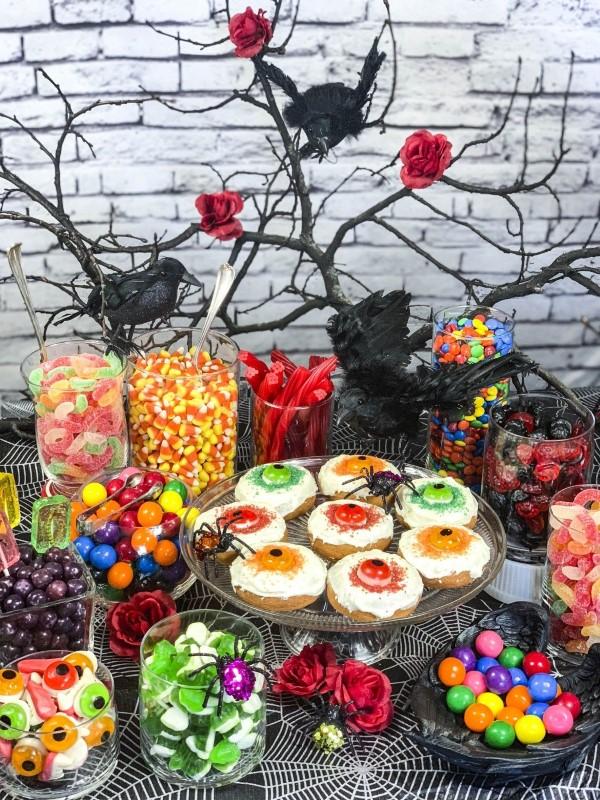 Halloween Buffet – Deko Ideen und Tipps für eine tolle Gruselparty bunte süßigkeiten ideen diy