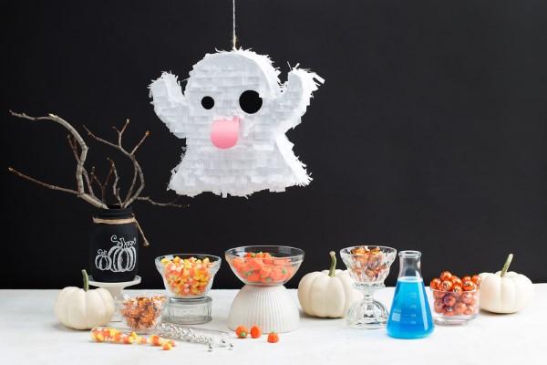 Halloween Buffet – Deko Ideen und Tipps für eine tolle Gruselparty geist pinata diy ideen