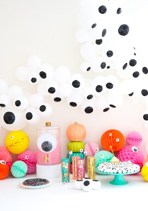 Halloween Buffet – Deko Ideen und Tipps für eine tolle Gruselparty geister luftballons bunte deko