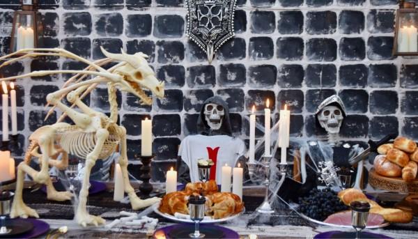 Halloween Buffet – Deko Ideen und Tipps für eine tolle Gruselparty mittelalter deko skelette