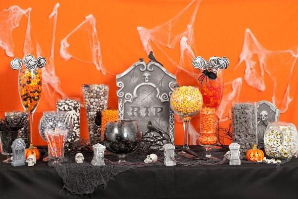 Halloween Buffet – Deko Ideen und Tipps für eine tolle Gruselparty orange schwarz deko