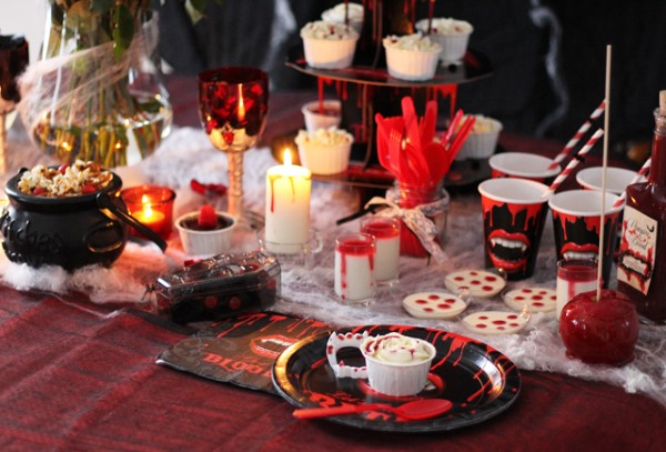 Halloween Buffet – Deko Ideen und Tipps für eine tolle Gruselparty vampir blutige deko