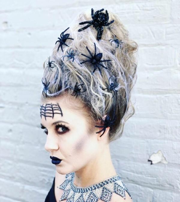 Halloween Frisuren Ideen und Tipps für ein gelungenes Grusel-Outfit beehive kostüm idee