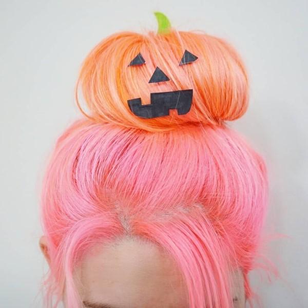 Halloween Frisuren Ideen und Tipps für ein gelungenes Grusel-Outfit kürbis bunt orange rosa