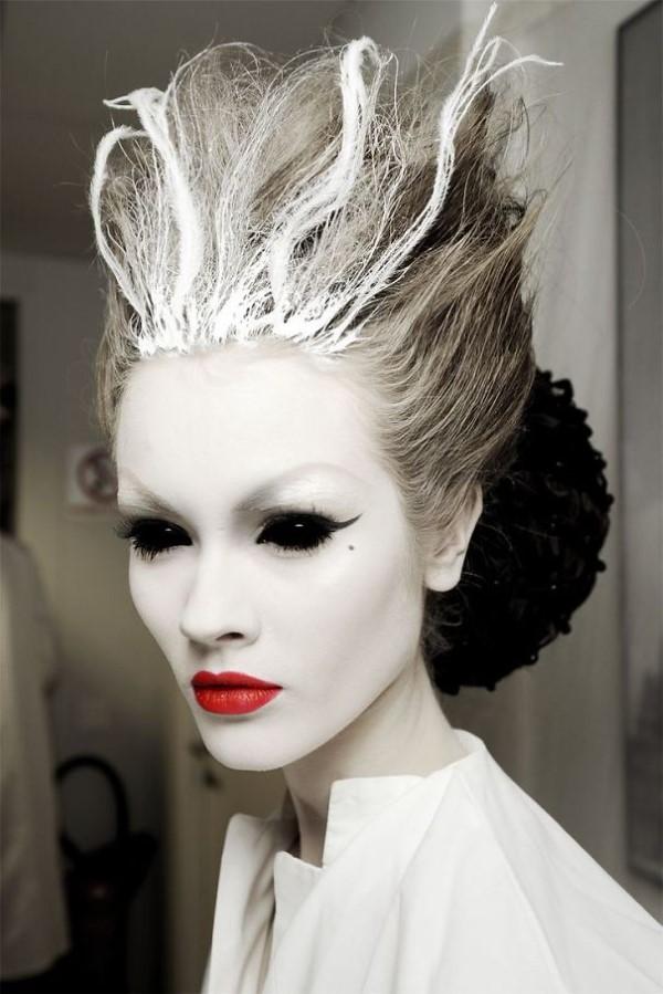 Halloween Frisuren Ideen und Tipps für ein gelungenes Grusel-Outfit zombie geist beehive