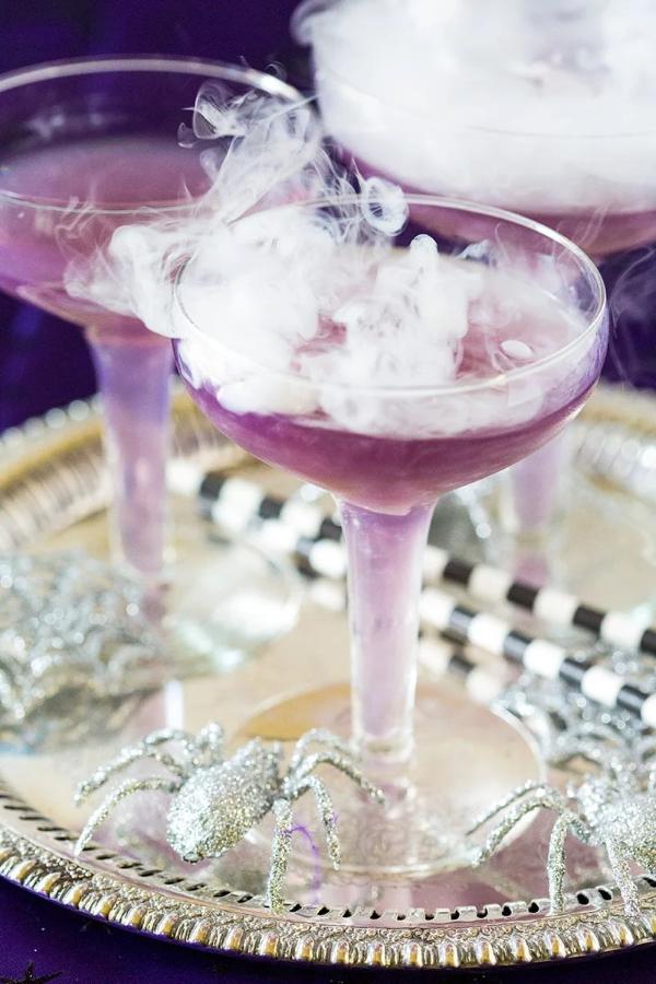 Halloween Getränke – 3 alkoholfreie Rezeptideen für eine tolle und nüchterne Party lila getränke gruselig magisch