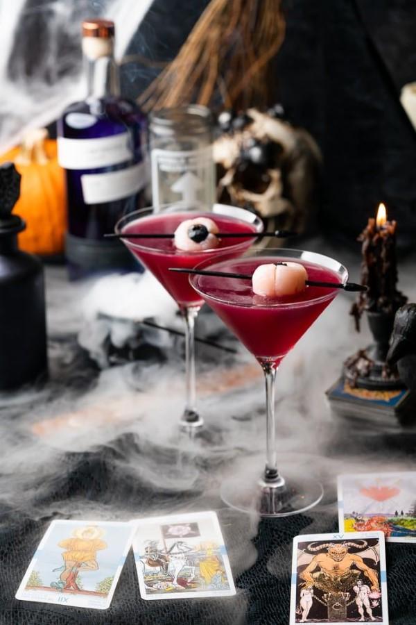 Halloween Getränke – 3 alkoholfreie Rezeptideen für eine tolle und nüchterne Party rot blut vampire deko