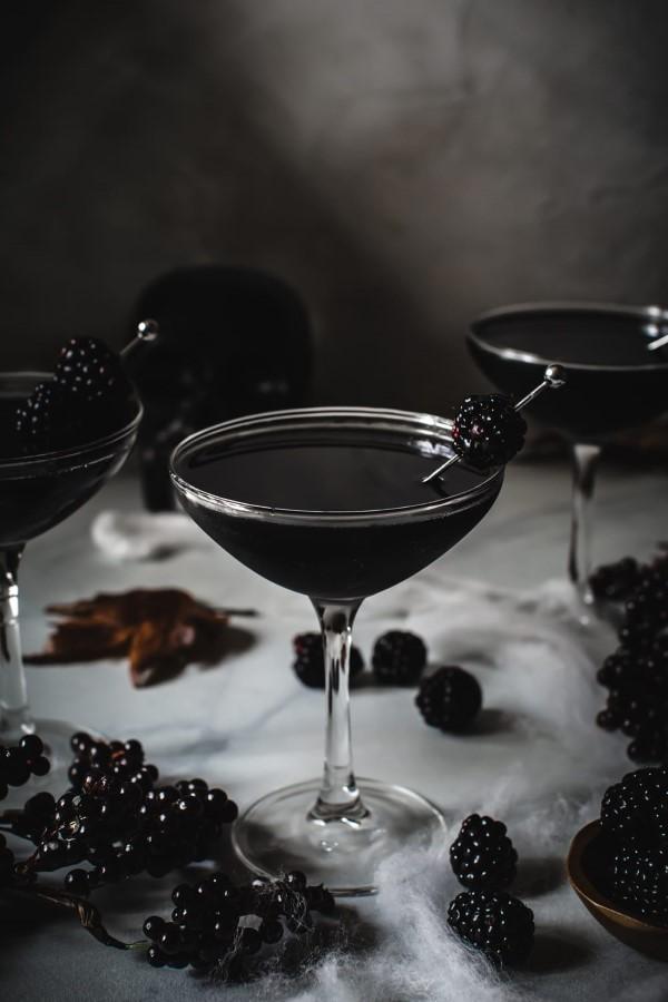 Halloween Getränke – 3 alkoholfreie Rezeptideen für eine tolle und nüchterne Party schwarzes getränk oliven