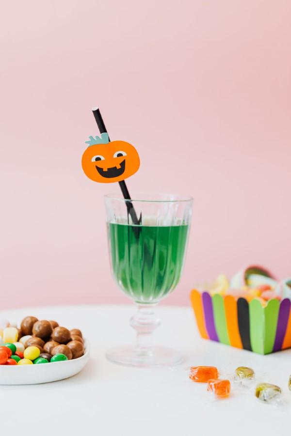 Halloween Getränke – 3 alkoholfreie Rezeptideen für eine tolle und nüchterne Party waldmeister punch bowle