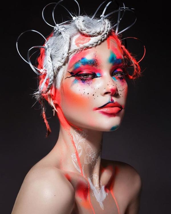 Halloween Makeup Ideen und Tipps für Ihr diesjähriges Kostüm abstrakte kostüm ideen
