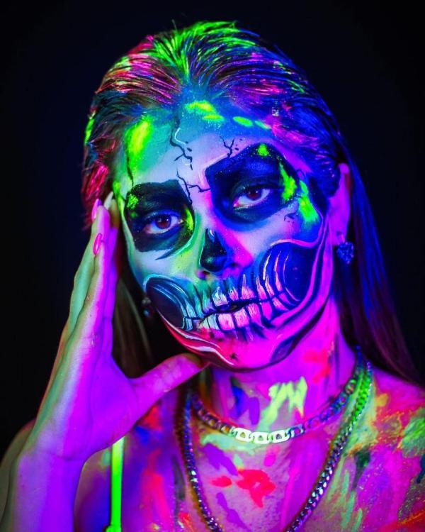 Halloween Makeup Ideen und Tipps für Ihr diesjähriges Kostüm ideen mit neon farben