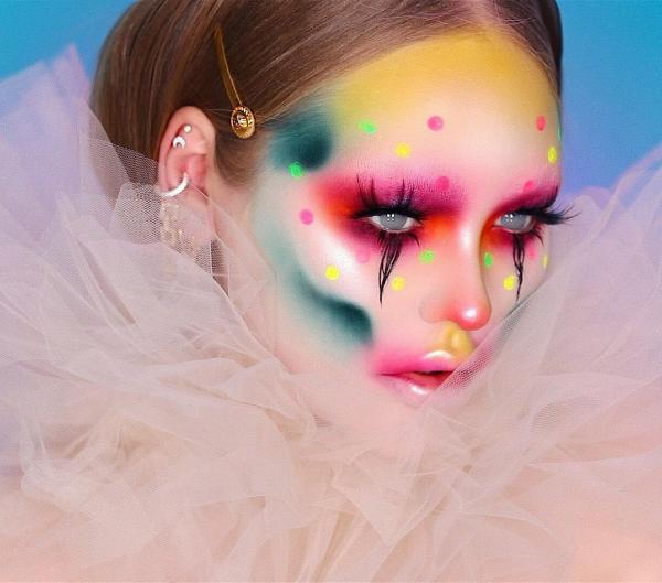 Halloween Makeup Ideen und Tipps für Ihr diesjähriges Kostüm regenbogen wolke kostüm