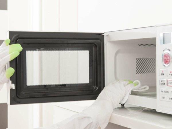 Mikrowelle Haushaltsgeräte sauber halten Hausfrau Tipps