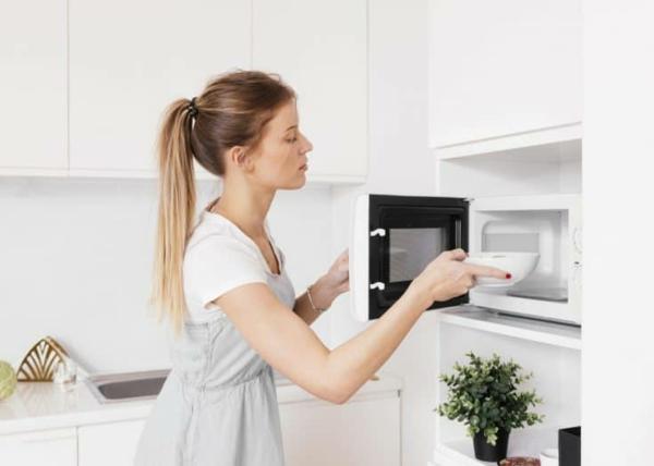Mikrowelle reinigen welche Hausmittel sind einsetzbar