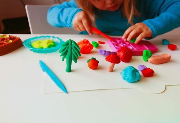 Mit Kindern basteln Bastelideen für Kleinkinder im Alter von 2-3 Jahren Salzteig