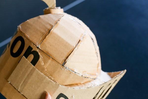 Ritterhelm basteln zum Halloween oder Fasching – kinderleichte Ideen und DIY Anleitung schritt für schritt anleitung karton