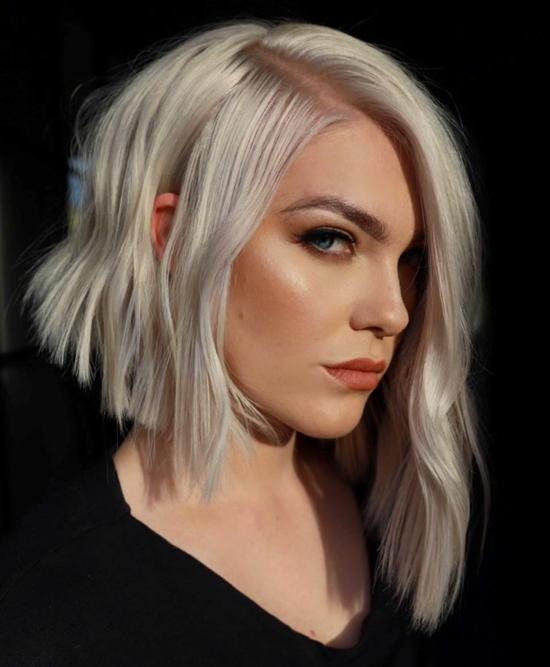 asymmetrischer grungy bob blonde haare
